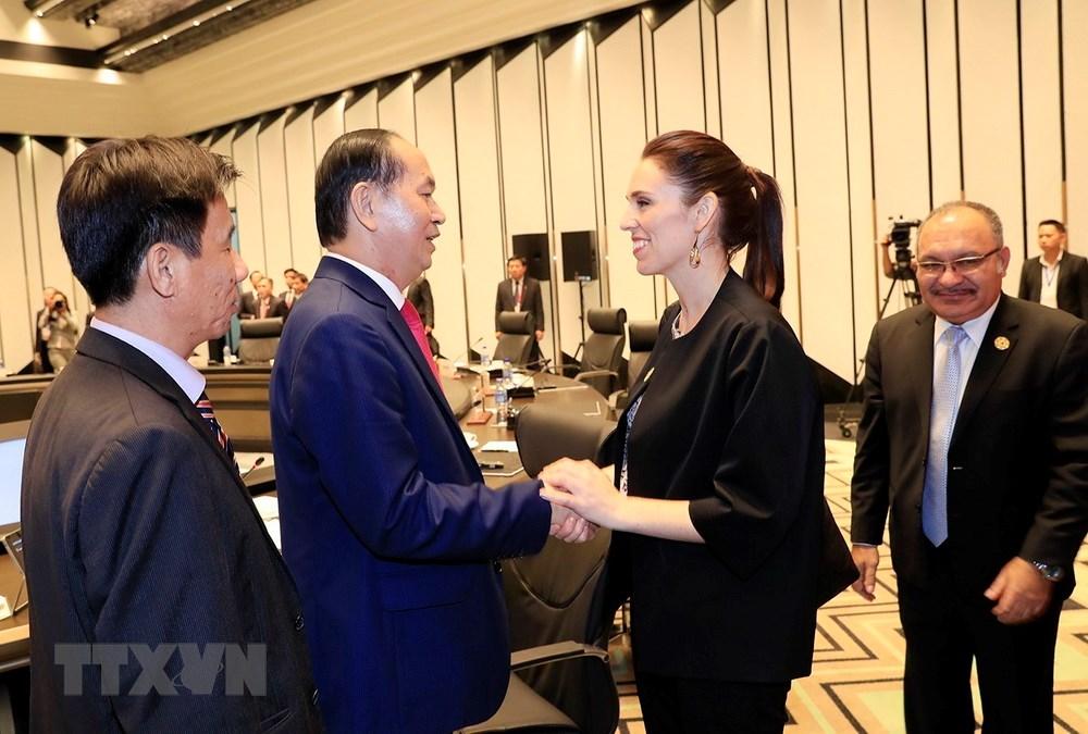 Chủ tịch nước Trần Đại Quang chia tay Thủ tướng New Zealand, bà Jacinda Ardern.