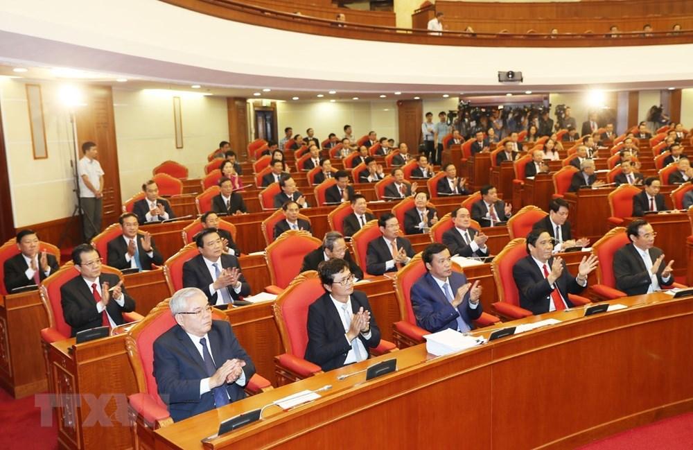 Các đồng chí lãnh đạo Đảng, Nhà nước và các đại biểu dự bế mạc Hội nghị. Ảnh: Trí Dũng/TTXVN