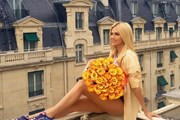 Ngắm nhìn vẻ đẹp hút hồn của Hoa hậu Nga Lopyreva ở EURO 2016