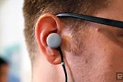 Google ra mắt tai nghe có khả năng phiên dịch 40 loại ngôn ngữ