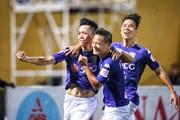 Hà Nội đánh bại Quảng Nam, V-League 2017 kịch tính đến phút chót
