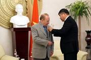 Trao tặng Huân chương Hữu nghị cho nhà báo Đức Kapfenberger