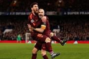 Lionel Messi 'phá dớp' giúp Barcelona thoát thua trên sân Chelsea