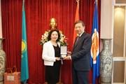 Bộ trưởng Công an Tô Lâm thăm Đại sứ quán Việt Nam tại Kazakhstan