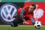 Neuer trở lại đội hình Bayern, sẵn sàng cho World Cup 2018