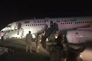 Saudi Arabia: Máy bay hạ cánh khẩn cấp, hơn 50 người bị thương