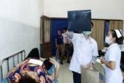 Nỗ lực điều trị cho các nạn nhân vụ lật xe khách tại Lào