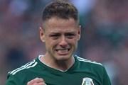 Cận cảnh Chicharito bật khóc sau chiến thắng trước nhà vô địch Đức