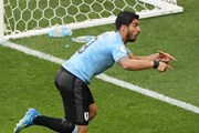 Uruguay vs Saudi Arabia 1-0: Nga và Uruguay thẳng tiến vòng 1/8