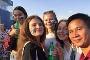 World Cup 2018: Thiếu nữ Nga công khai tình cảm với Iceland