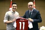Trích đoạn tâm thư đầy ẩn ức của Mesut Oezil khi chia tay tuyển Đức