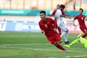 Việt Nam chiến thắng trong ngày Công Phượng sút hỏng 2 quả penalty