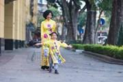 Bộ sưu tập áo dài đón Xuân mới cho các mẹ và con gái