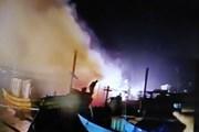 Quảng Bình: Bốn tàu cá của ngư dân bất ngờ bốc cháy tại cửa lạch