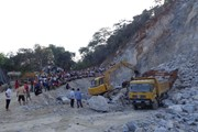 Nghệ An: Thăm hỏi các gia đình bị nạn trong vụ sập mỏ đá ở Quỳ Hợp