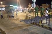 Bắt tạm giam 3 đối tượng dùng dao tấn công cảnh sát giao thông