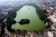 Hà Nội: Xuất hiện váng xanh ghi tảo độc tại hồ Hoàn Kiếm