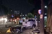 Xe bán tải đâm hàng loạt xe máy đang chờ đèn đỏ, 6 người thương vong