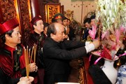 [Photo] Thủ tướng Nguyễn Xuân Phúc dâng hương tưởng niệm các Vua Hùng