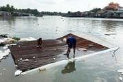 Cần Thơ hỗ trợ người dân bị ảnh hưởng do sạt lở bờ sông Ô Môn