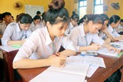 251 thí sinh ở huyện đảo Phú Quý vào đất liền để chuẩn bị dự thi