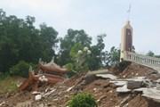 [Photo] Nhiều công trình bị sạt lở nghiêm trọng do mưa lũ ở Hòa Bình