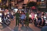 Bắt đối tượng dùng kéo đâm trọng thương vợ cũ trên phố Bạch Mai