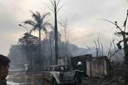 Đang cháy lớn xưởng sơn tại Hoài Đức, khói bốc cao hàng chục mét