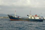 An ninh Malaysia bắt giữ hai tàu cá và 19 ngư dân Việt Nam