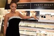 Tăng cân thả phanh, ca sỹ Rihanna vẫn tự tin tỏa sáng