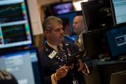 Thị trường chứng khoán biến động sau thông tin lãi suất của Fed
