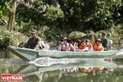 Tiến sỹ Nhật Bản giúp bà con dân tộc Thái ở Nghệ An làm du lịch