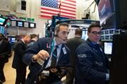 Chứng khoán Mỹ phản ứng trái chiều sau khi Fed tăng lãi suất