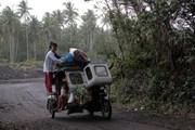 Giới chức Philippines báo động núi lửa Mayon sắp phun trào nguy hiểm
