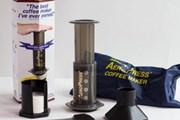 Những dụng cụ giúp bạn tự làm một tách càphê espresso khi đi du lịch