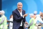 Huấn luyện viên đội tuyển Brazil chấn thương vì... ăn mừng chiến thắng