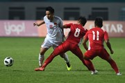 ASIAD 2018: Tiền vệ Hùng Dũng sẽ về Việt Nam để hội chẩn chấn thương