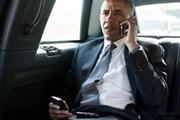 """Ông Obama """"được phép"""" chia tay chiếc BlackBerry gắn bó 7 năm qua"""
