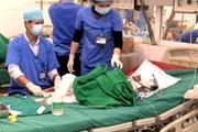 Xót xa cháu bé 7 tuổi người dân tộc Mông bị bỏng nặng vì bếp gas