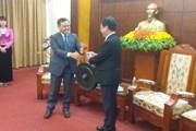 Chủ tịch Ủy ban TW Mặt trận Lào xây dựng đất nước thăm tỉnh Hòa Bình