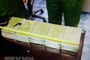 Sơn La: Bắt 1 đối tượng đang trên đường vận chuyển 6 bánh heroin