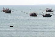 Cảng cá Cửa Tùng bị bồi lấp nghiêm trọng, tàu cá không thể ra vào