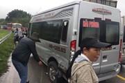 Quảng Ninh: 4 xe ôtô đâm liên hoàn khiến Quốc lộ 18 ùn tắc