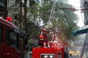 Hà Nội: Cháy lớn tại cửa hàng phụ tùng ôtô trên phố Lạc Nghiệp