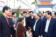 Thủ tướng thăm, động viên bà con sản xuất nông nghiệp tại Nam Định