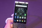 BlackBerry kiện Facebook vi phạm bằng sáng chế ứng dụng tin nhắn