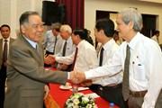 Thủ tướng Phan Văn Khải với các chuyên gia và phóng viên báo chí