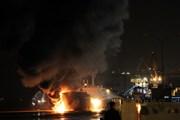 Bạc Liêu: Cháy tàu chở xăng dầu, hai người bị bỏng