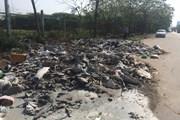 Hà Nội: Rác thải bị đổ trộm tràn ngập Đại lộ Thăng Long