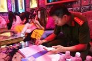 TP.HCM: Nhiều nhà hàng, khách sạn dùng phương thức phục vụ khiêu dâm